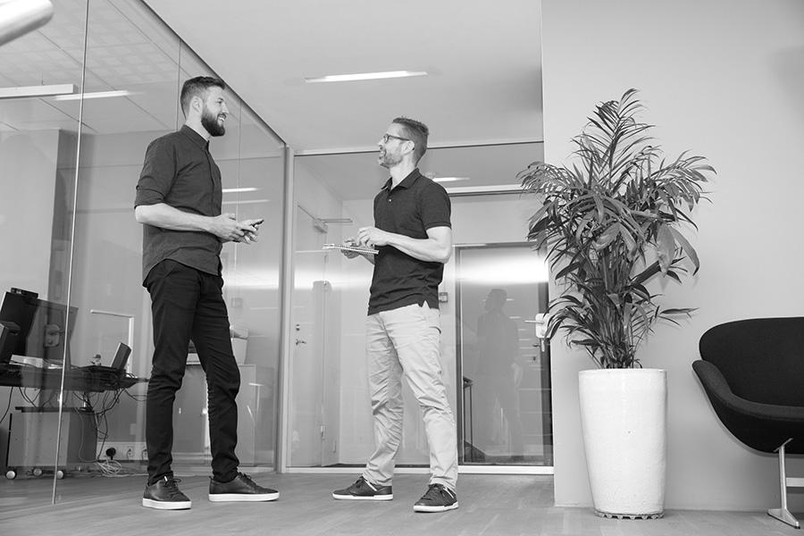 Talk in hallway2 - Alpha Solutions